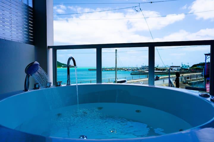 【ジャグジー付き】エメラルドに輝く奥武島の美しい海が目の前に!COCO ISLAND奥武島【201】