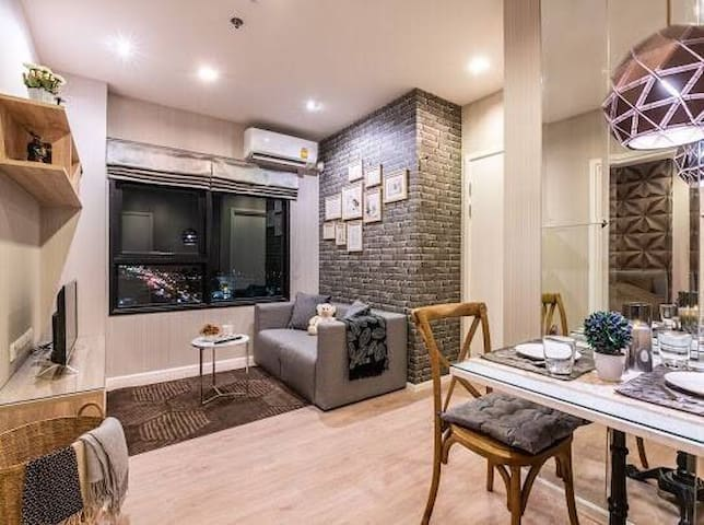High Rise Luxury condo Next to Big Mall (TownView)