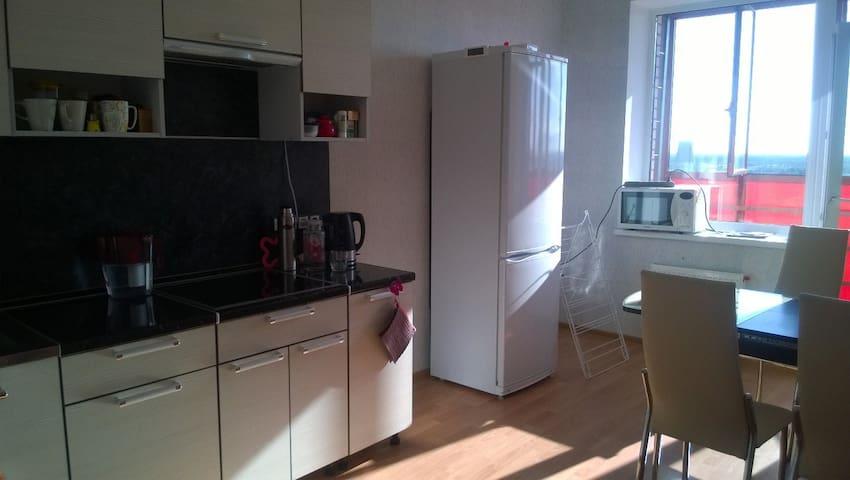 Новая квартира на окраине Санкт-Петербурга - Lavriki - Flat