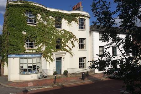 B&B in Regency house in East Sussex - Robertsbridge - Bed & Breakfast