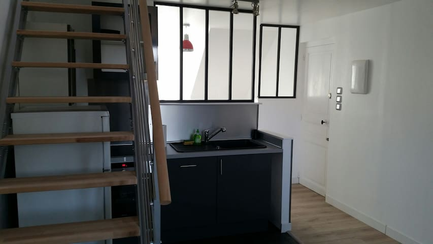 Lovely fully renovated central apartment for 4-6