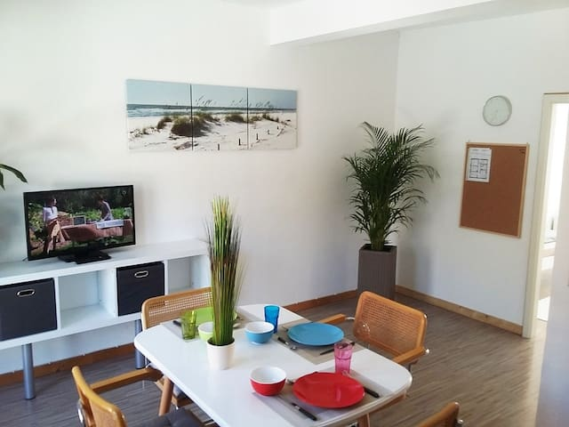 Möbliertes Zimmer in Karlsruhe Knielingen (1)