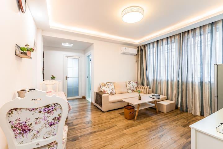 普陀山近普济寺(悠哉悠舍)两室一厅公寓整租