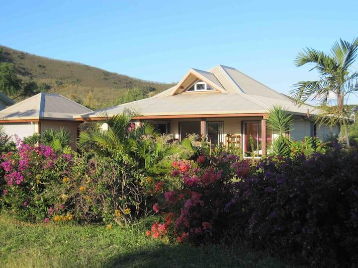 Villa et jardin à Tiaré Beach