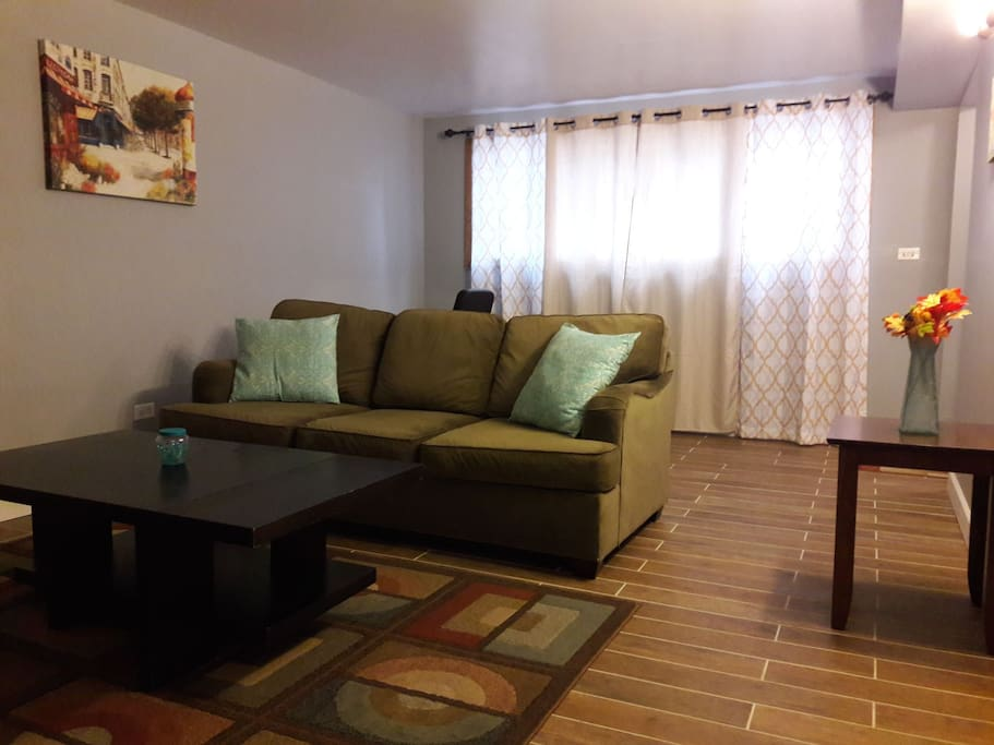 2 Bedroom Apartment 10 Minutes From Midway Airport Apartments For Rent In Cicero Illinois