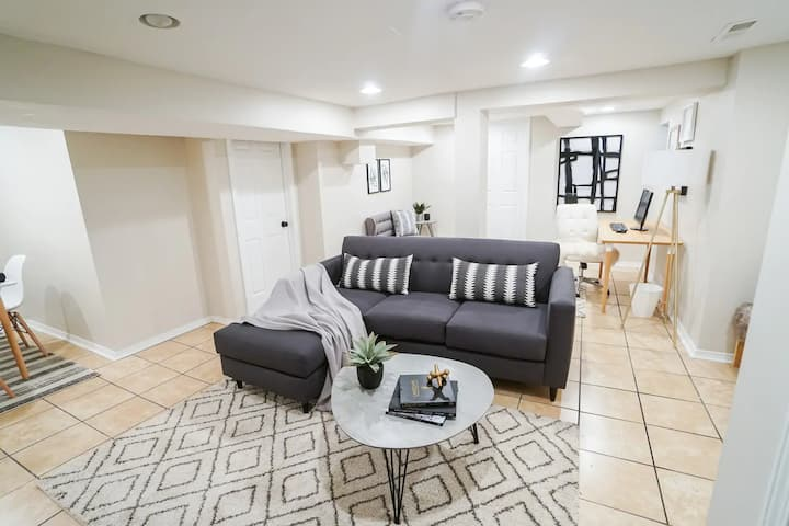 Modern & Pet Friendly 1BR Apt.Great for Travellers