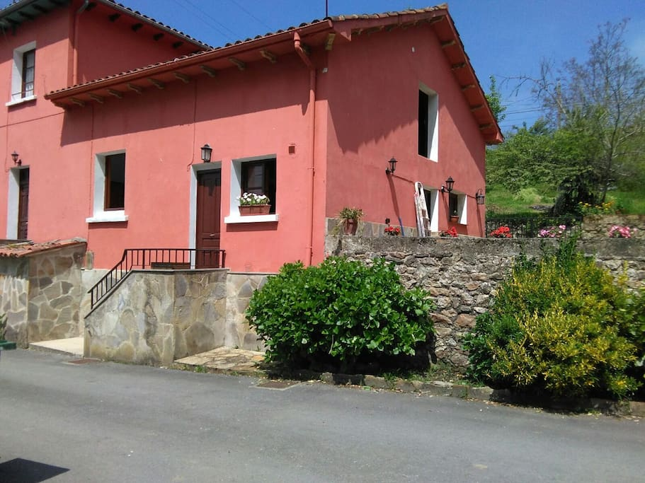 Estupenda Casa Con Jardin Houses For Rent In Caravia