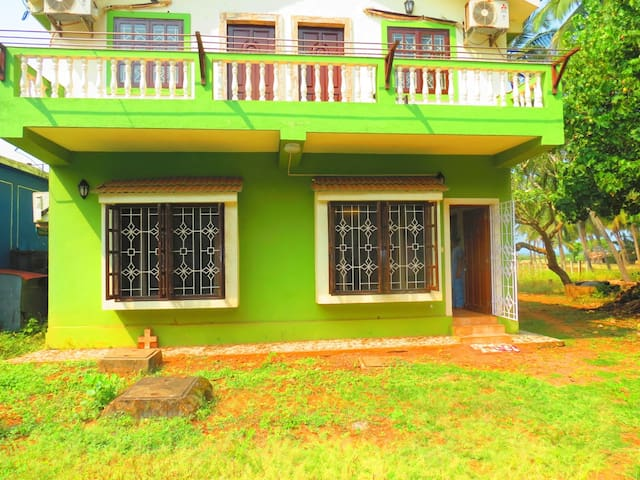 28) Beach Touching Ground Floor 1Bedroom Apartment