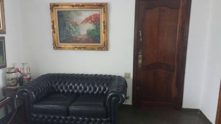 Quarto para casal em apartamento da Vila Mariana