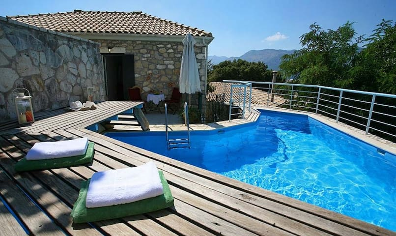 3 bedr Architect villa, a peaceful location - Spanochori - Villa