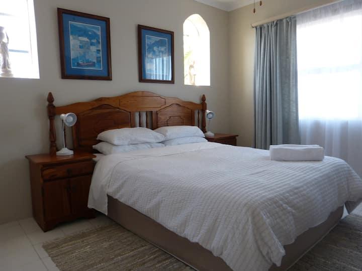 Addo Riverside Villa Queen room