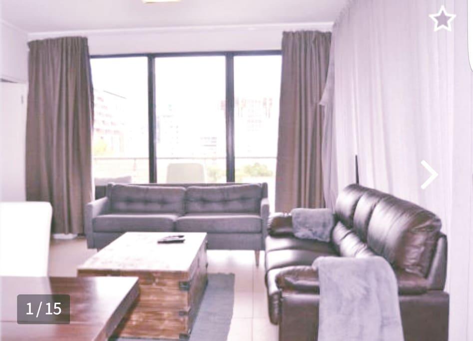 Lounge area with balcony
