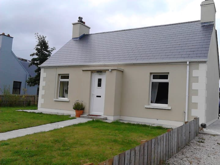 Martin-Annies Cottage-Heart of Dunfanaghy-5 person