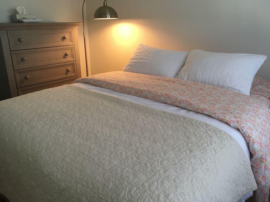 Cozy bedroom #1 with queen bed