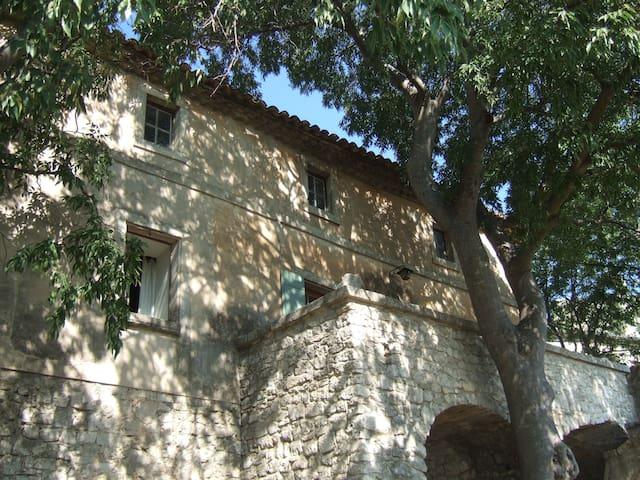 Belle maison de village en Ardèche provençale - Bourg-Saint-Andéol