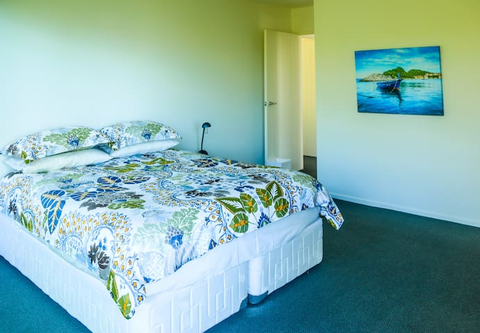 Bedroom 2. Queen double bed