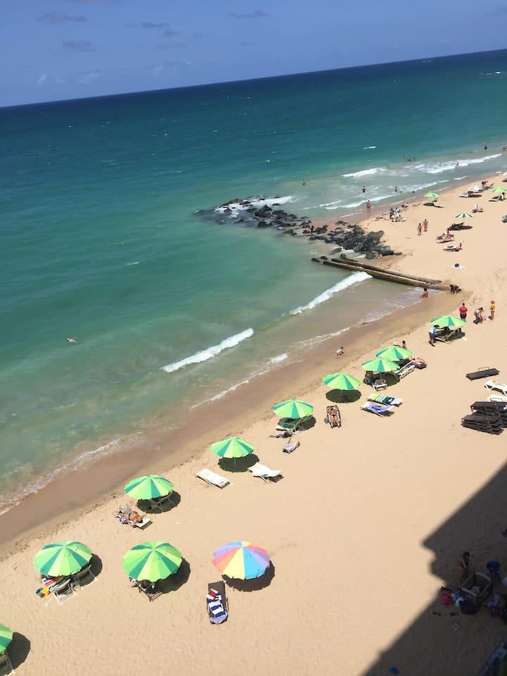 Beachfront condo in the heart of San Juan
