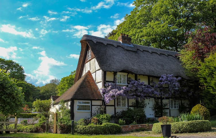 The Thatched Cottage, Passford Farm