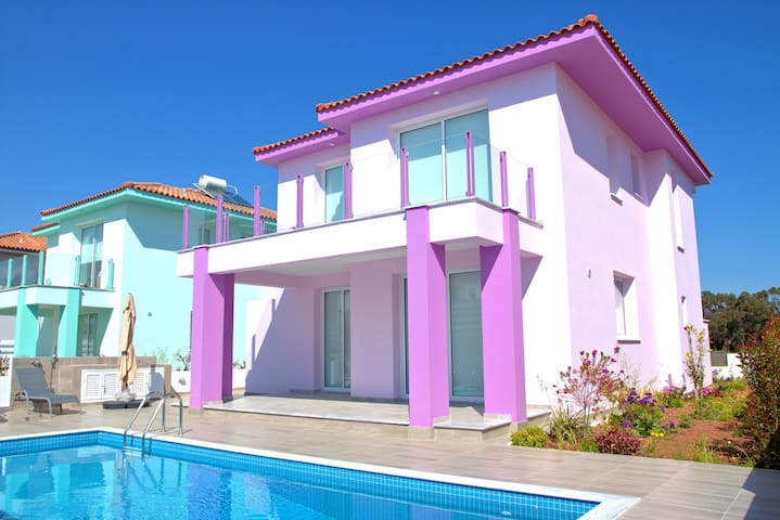 New Villa Pink 3-Bedrooms Near Beach Own Pool