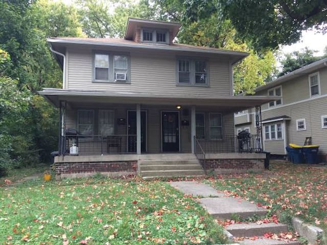 Steps from the Heart of Broad Ripple; Pet Friendly