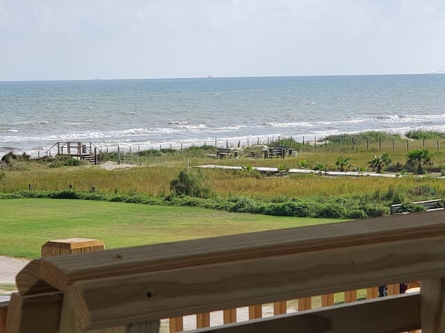 Magnificent View!Steps to beach!Pet&kid friendly D