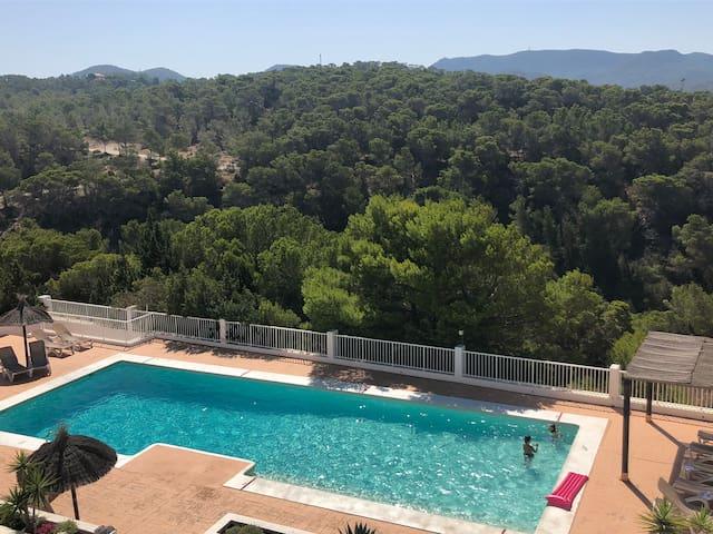 Apartamento con piscina 6 pers ibiza