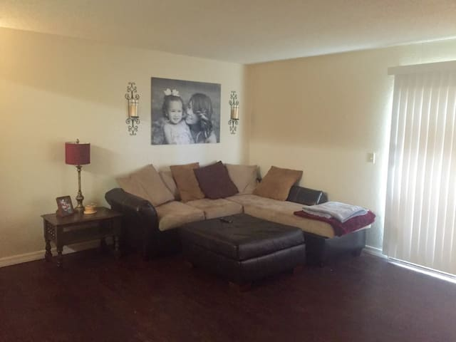 Peaceful 2 Bedroom Apt with GREAT LOCATION! - Oklahoma City - Appartement