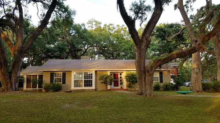 Home Under the Oaks. central location, large patio