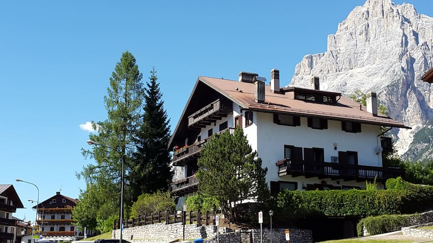 Apartment in the Dolomites 10 km from Cortina D'A.