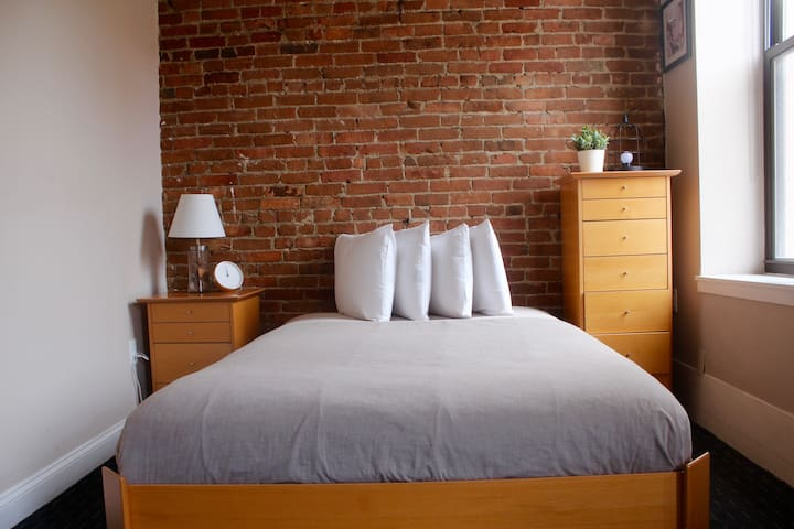 Stylish Downtown Studio in the SouthEnd, C.Ave# 41