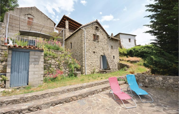 Holiday cottage with 3 bedrooms on 60m² in St André d Majencoules