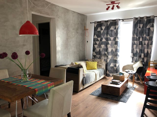 Apartamento aconchegante e decorado (c/ Wi-Fi )