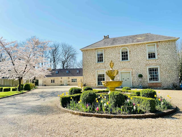 The Coach House between Bath & Wells