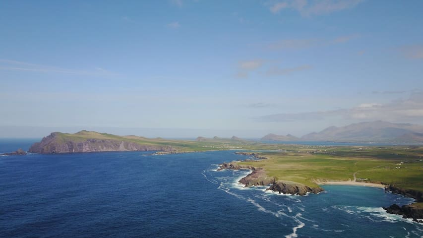 DINGLE WILD ATLANTIC WAY.PARADISE BY THE SEA