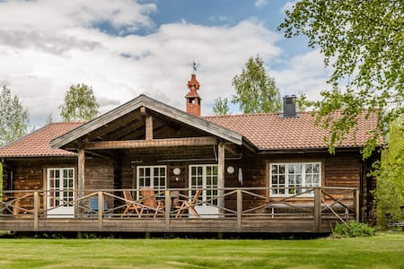 SWEDISH LAKESIDE COTTAGE FOR RENT - Sollerön