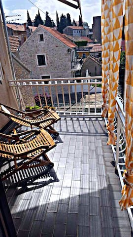 Molat - Studio with terrace for 2 guests
