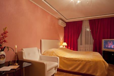 уютная квартирка на набережной - Saratov