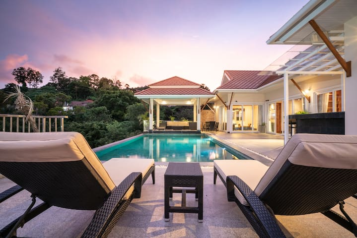 5 Bedrooms Sleepover Pool Party Thai Style Villa