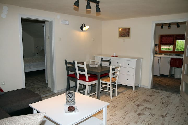 Apartma Obrh - Apartment with Terrace
