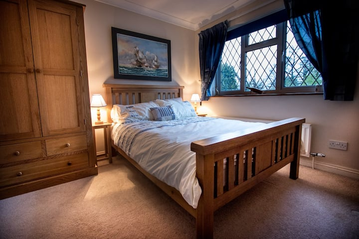 Two double rooms in family home