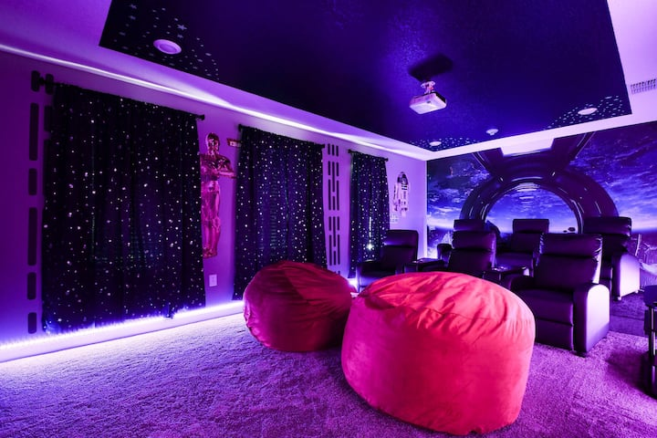 Modern Disney Villa Sleeps24 Movie*Pool*Game Room