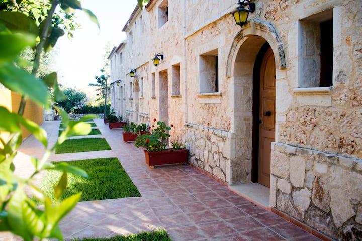 Monte e Mare Stone Villas..  5 guests, 1 Bedroom