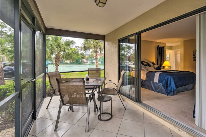 Sarasota Villa w/ Pool Access ~4 Mi to Beach!