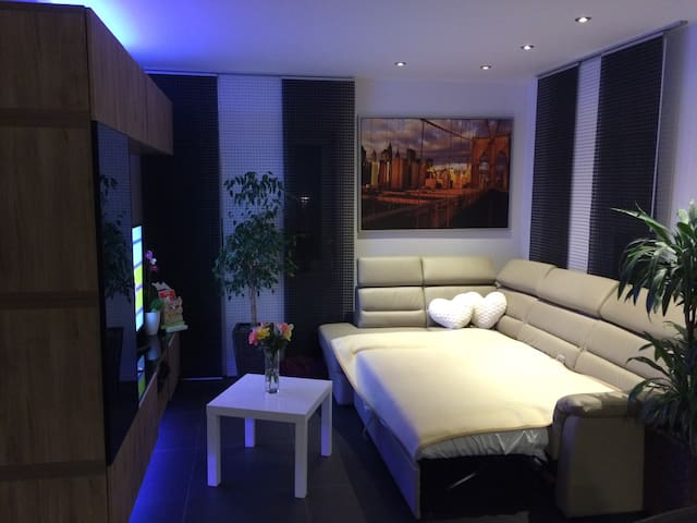MESSE - 4 Doppelzimmer in 1 Haus - Algermissen - Casa