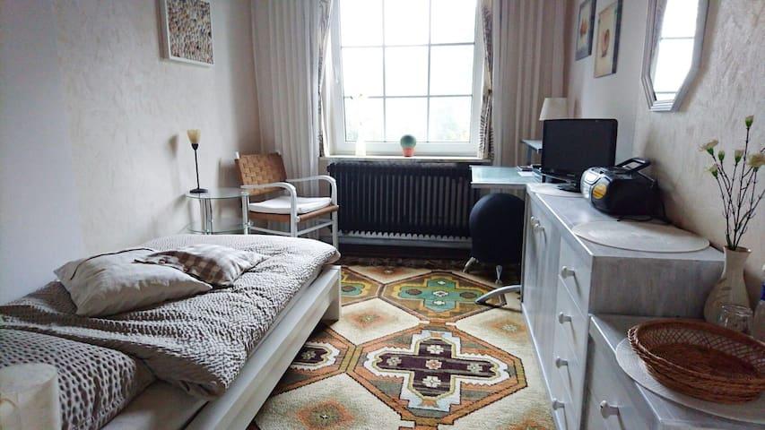 Helles, gemütliches Zimmer im Landhaus - Bad Zwischenahn - House