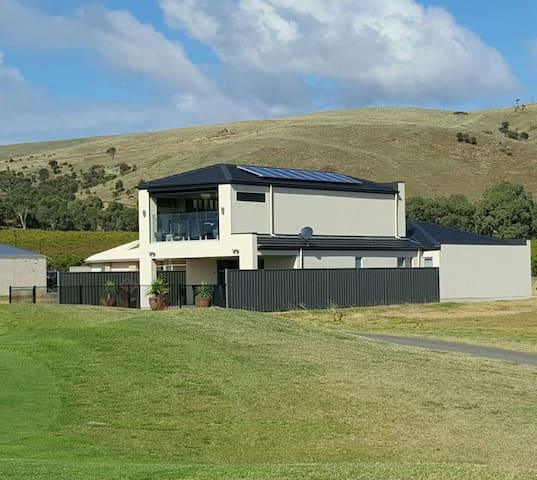 GOLF COURSE FRONTAGE.great views overlooking hills