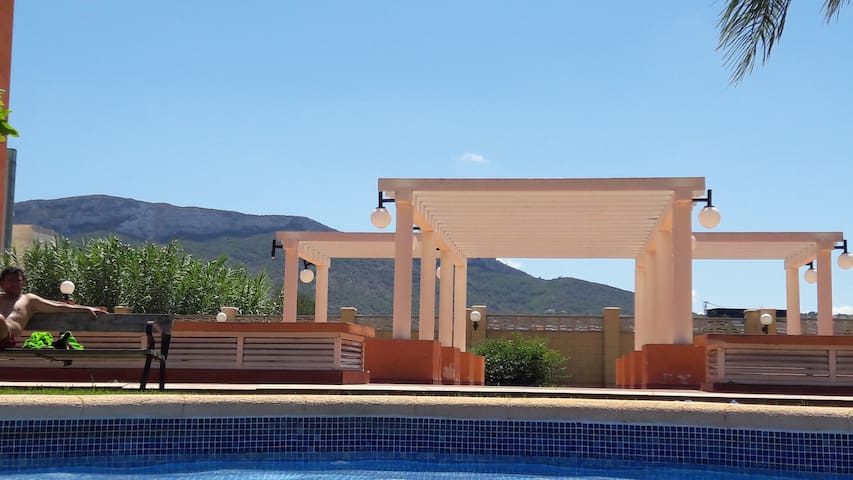 vue depuis la piscine;