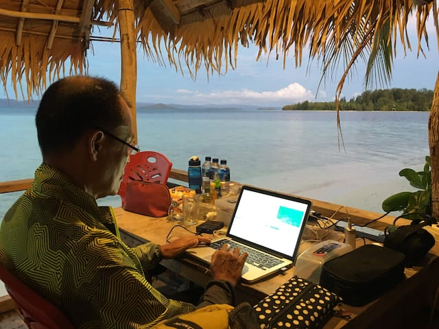 Sea Fans Homestay Raja Ampat 《Private Beach》