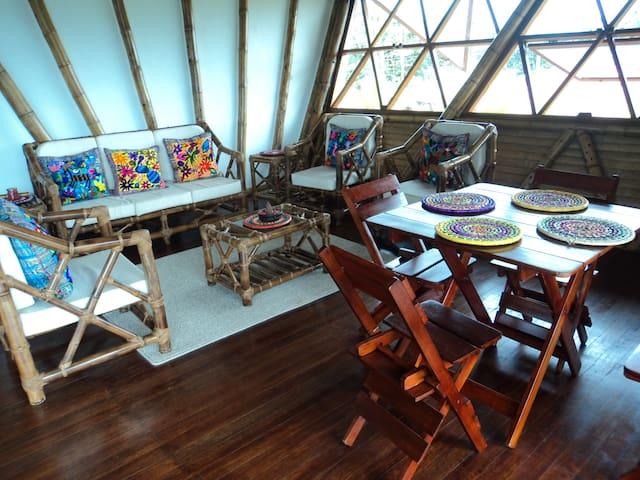 SHAKAI Casa Bambú