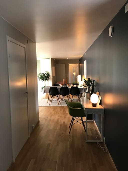 Spacious entry. The whole apartment was renovated in November 2015. To the left, a children´s room. Straight ahead bathroom, while the master bedroom is on the left, by the bathroom. Between the two bedrooms, the open kitchen/livingroom area, with a double sofa bed.